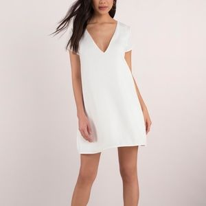 NWT SWOOP IN IVORY V NECK SHIFT DRESS